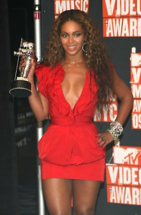 http://www.americansuperstarmag.com/photos/file-2009/beyonce-knowles-280427.jpg