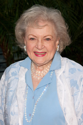 Betty White, Saturday Night Live, SNL, host, Facebook, pictures, picture, photos, photo, pics, pic, images, image, hot, sexy, latest, new, 2010