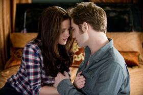 Robert Pattinson, Kristen Stewart, kissing, Eclipse, Twilight, pictures, picture, photos, photo, pics, pic, images, image, hot, sexy, latest, new, 2010