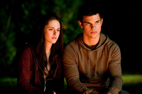 Kristen Stewart, Taylor Lautner, kiss, kissing, Twilight, Eclipse, movie, pictures, picture, photos, photo, pics, pic, images, image, hot, sexy, latest, new, 2010