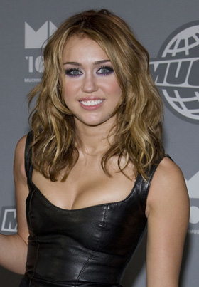 Pitchers Miley Cyrus on Miley Cyrus  So Undercover  Movie  Film  Pictures  Picture  Photos