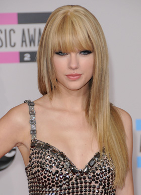 Taylor Swift  Single on Swift Singing About Ex Boyfriend Taylor Lautner On Her New Single Back