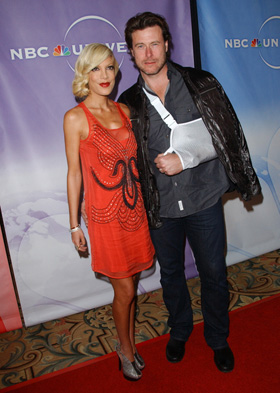 Tori Spelling, Dean McDermott, motorcycle, crash, accident, hospital, hospitalized, injuries, pictures, picture, photos, photo, pics, pic, images, image, hot, sexy, latest, new, 2010