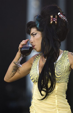 Amy Winehouse, pictures, picture, photos, photo, pics, pic, images, image, hot, sexy, latest, new, 2011