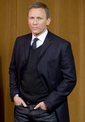 Daniel Craig, pictures, picture, photos, photo, pics, pic, images, image, hot, sexy, latest, new, 2010
