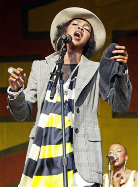 Lauryn Hill, pictures, picture, photos, photo, pics, pic, images, image, hot, sexy, latest, new, 2011