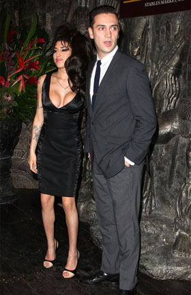 Reg Traviss, Amy Winehouse, pictures, picture, photos, photo, pics, pic, images, image, hot, sexy, latest, new, 2011