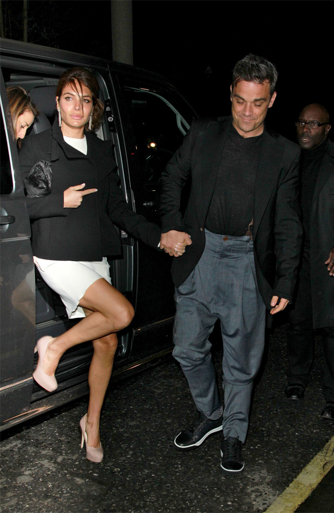 Robbie Williams, Ayda Field, pictures, picture, photos, photo, pics, pic, images, image, hot, sexy, latest, new, 2011