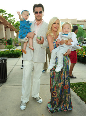 Tori Spelling, Dean McDermott, Liam, Stella, children, kids, pictures, picture, photos, photo, pics, pic, images, image, hot, sexy, latest, new, 2011