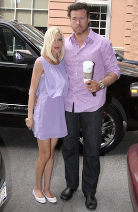Tori Spelling, Dean McDermott, pictures, picture, photos, photo, pics, pic, images, image, hot, sexy, latest, new, 2011