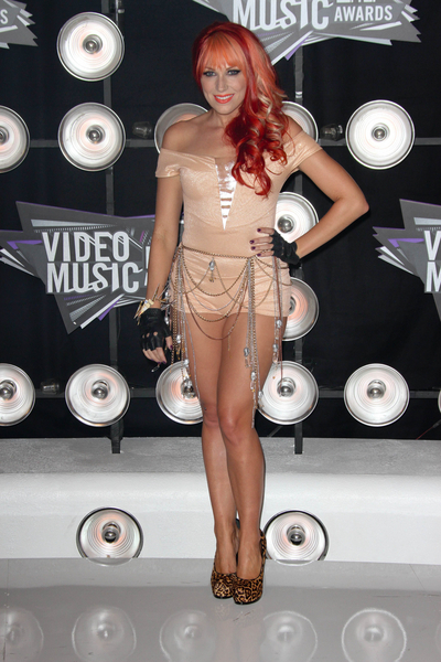 Bonnie McKee Pictures: MTV Video Music Awards (VMAs) 2011 Red Carpet Photos, Pics