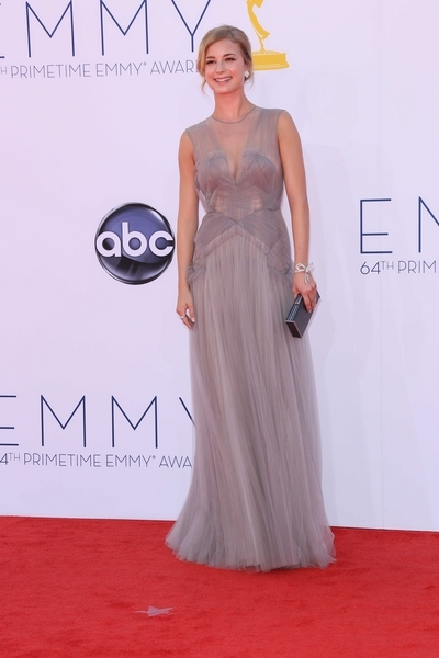 Emily VanCamp Hot Style Pictures: Primetime Emmy Awards (Emmys) 2012 Photos, Pics