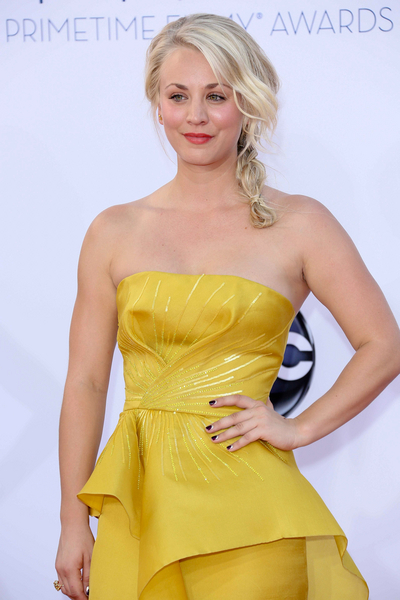 Kaley Cuoco Hot Style Pictures: Primetime Emmy Awards (Emmys) 2012 Photos, Pics