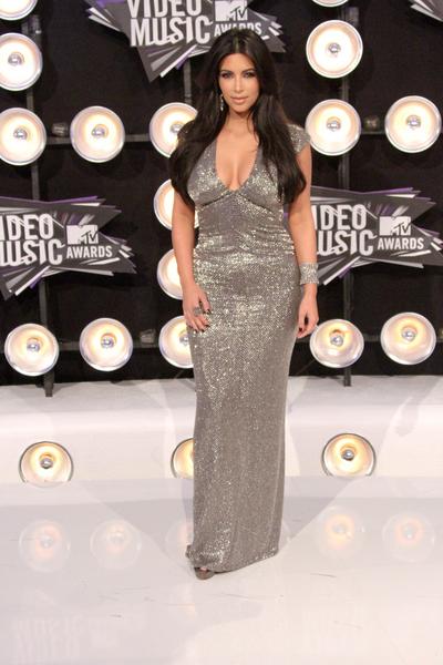 Kim Kardashian Pictures: MTV Video Music Awards (VMAs) 2011 Red Carpet Photos, Pics