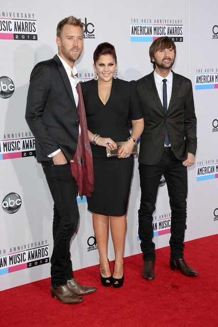 Lady Antebellum Pictures: American Music Awards (AMAs) 2012 Red Carpet Photos, Pics
