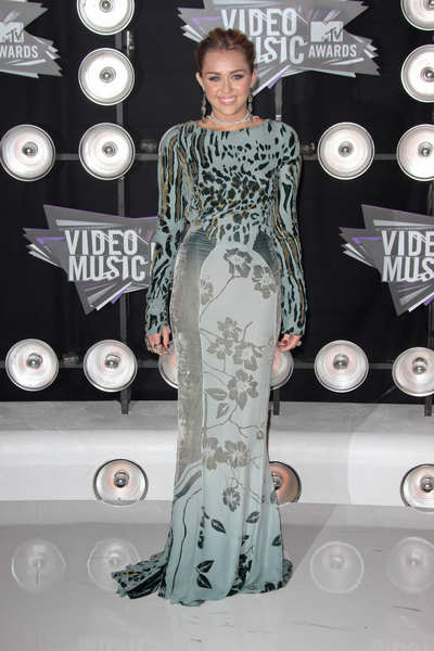 Miley Cyrus Pictures: MTV Video Music Awards (VMAs) 2011 Red Carpet Photos, Pics