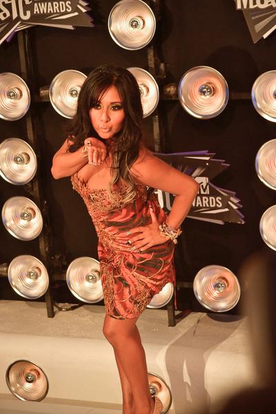 Nicole 'Snooki' Polizzi Pictures: MTV Video Music Awards (VMAs) 2011 Red Carpet Photos, Pics