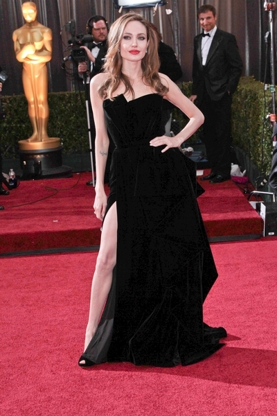 Angelina Jolie Pictures: Academy Awards (Oscars) 2012 Red Carpet Photos, Pics