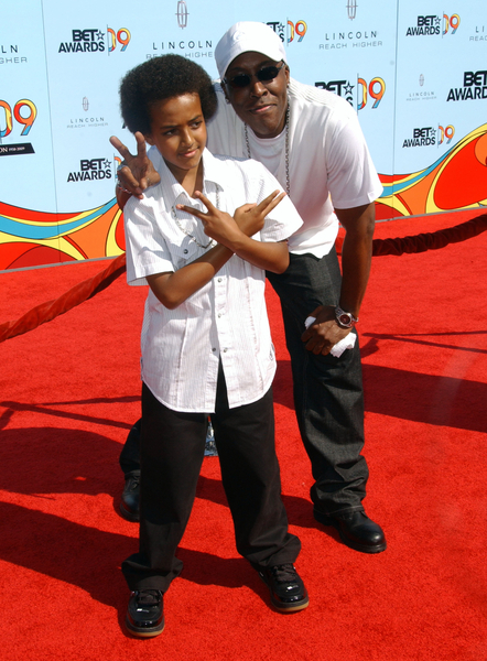 Arsenio Hall and Son Pictures: 2009 BET Awards Red Carpet ...