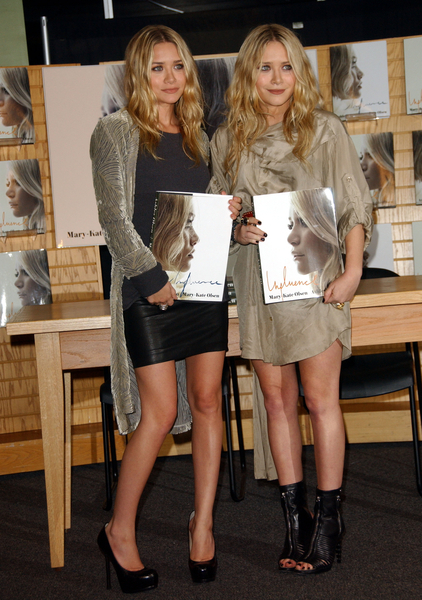 Ashley and Mary-Kate Olsen Hot Pictures, Photos, Images & Pics