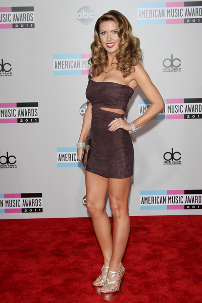 Audrina Patridge Hot Style Pictures: American Music Awards 2011 Red Carpet Photos, Pics
