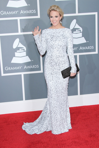 Carrie Underwood Pictures: Grammy Awards (Grammys) 2012 Red Carpet Photos, Pics