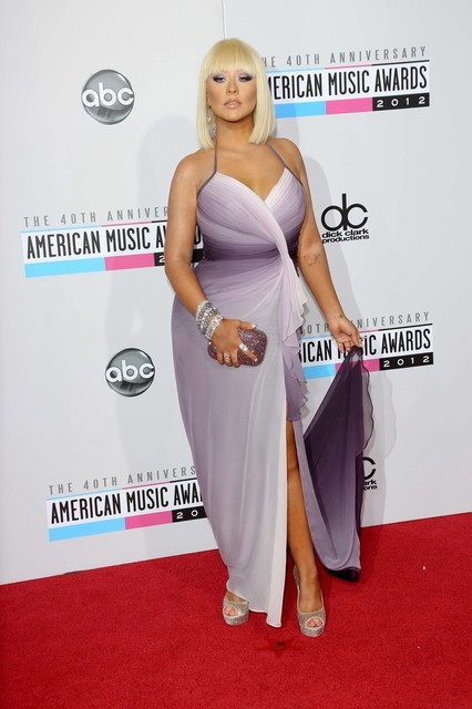 Christina Aguilera Pictures: American Music Awards (AMAs) 2012 Red Carpet Photos, Pics