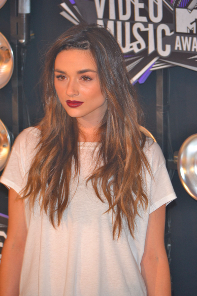 Crystal Reed Pictures: MTV Video Music Awards (VMAs) 2011 Red Carpet Photos, Pics