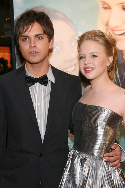 Thomas Dekker and Sofia Vassilieva Pictures: My Sister's Keeper Movie Premiere Red Carpet Photos
