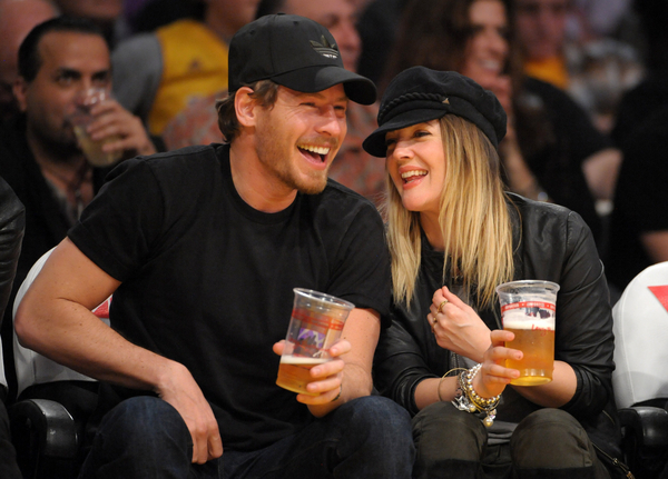 Drew Barrymore and Boyfriend Will Kopelman Pictures: Los Angeles Lakers Celebrity Fans Sightings Photos, Pics