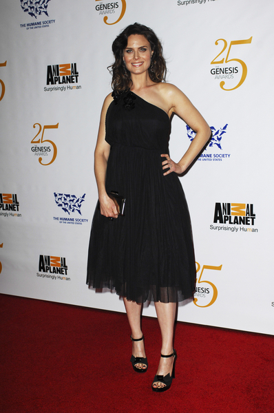 Emily Deschanel Pictures: 25th Anniversary Genesis Awards 2011 Photos, Pics