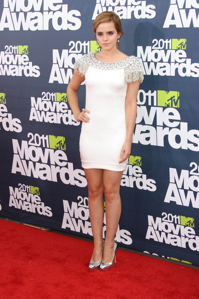 Emma Watson Hot Style Pictures: MTV Movie Awards Red Carpet 2011 Photos, Pics