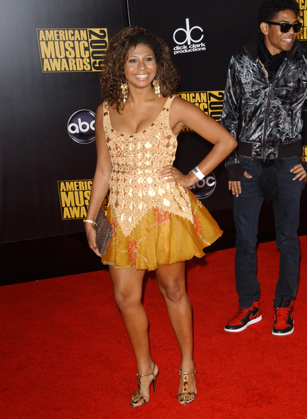 Genevieve Jackson Pictures: American Music Awards 2009 Red ...