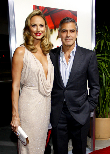 George Clooney and Stacy Keibler Pictures: The Descendants Movie Premiere Photos, Pics