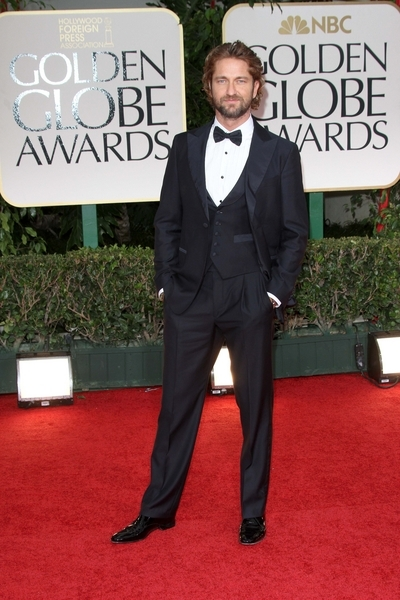 Gerard Butler Pictures: Golden Globes 2012 Awards Red Carpet Photos, Pics
