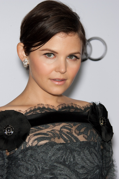 Ginnifer Goodwin Short Hair Pictures: A Single Man AFI Fest 2009 Screening Red Carpet Photos