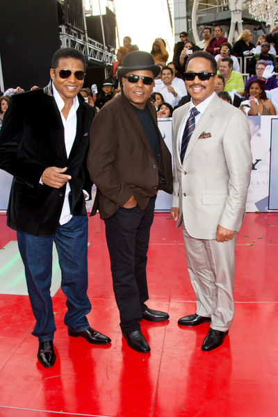 Marlon+jackson+and+wife