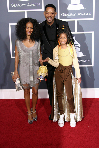 Jada Pinkett Smith, Will Smith, Willow Smith Grammys 2011 Pictures: 53rd Grammy Awards Red Carpet Photos, Pics
