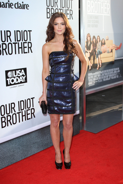 Janet Montgomery Hot Style Pictures: Our Idiot Brother Movie Premiere Photos, Pics