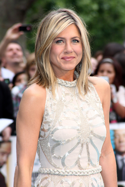 Jennifer Aniston Hair Pictures: Horrible Bosses London Premiere Photos, Pics