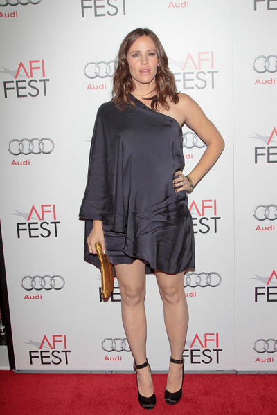 Jennifer Garner Pregnant Pictures: AFI FEST 2011 - Butter Photos, Pics