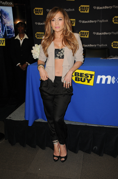 Jennifer Lopez Hot Style Pictures: BlackBerry PlayBook, LOVE Album Launch Photos, Pics