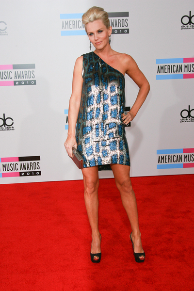 Jenny McCarthy Hot AMAs Style Pictures: American Music Awards 2010 Photos and Pics