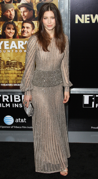 Jessica Biel Hot Style Pictures: New Year&#039;s Eve Movie Premiere Photos, Pics
