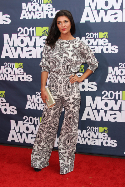 Jessica Szohr Hot Style Pictures: MTV Movie Awards Red Carpet 2011 Photos, Pics
