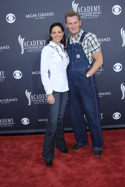 Joey Martin and Rory Lee Feek Pictures: Academy of Country Music (ACM) Awards 2011 Red Carpet Photos, Pics
