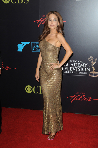 Lisa LoCicero Hot Style Pictures: Daytime Emmy Awards 2010 Fashion Photos and Pics