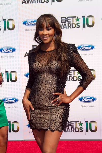 Vivica A. Fox Hot Pictures: BET Awards 2010 Red Carpet ...