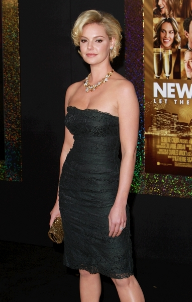 Katherine Heigl Hot Style Pictures: New Year's Eve Movie Premiere Photos, Pics