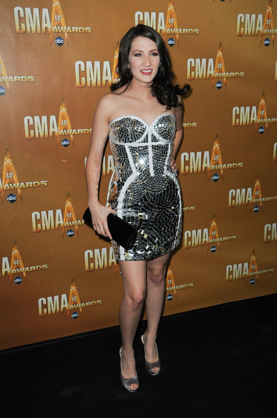 Katie Armiger Hot Style Pictures: CMA Awards 2010 Red Carpet Fashion Photos and Pics